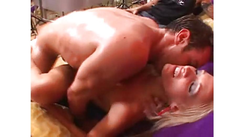 Slutty Lichelle Marie gets her juicy wet twat slammed by a huge throbbing  boner   Fux