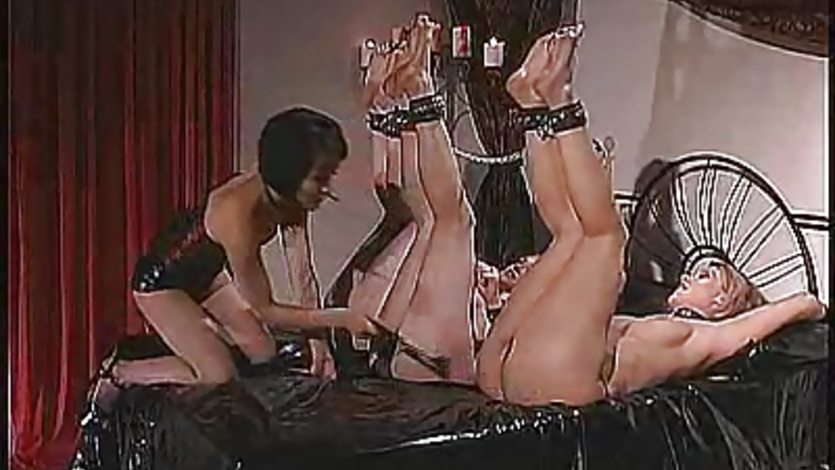 Sexy slave Anastasia Pierce and pals get whipped