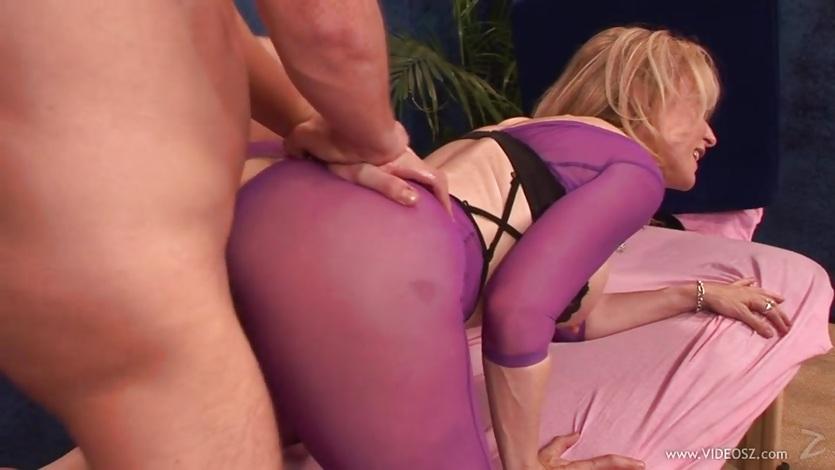nina hartley in yoga pants