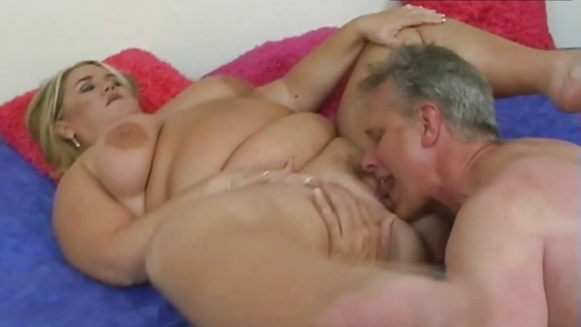 Bbw pussy licking