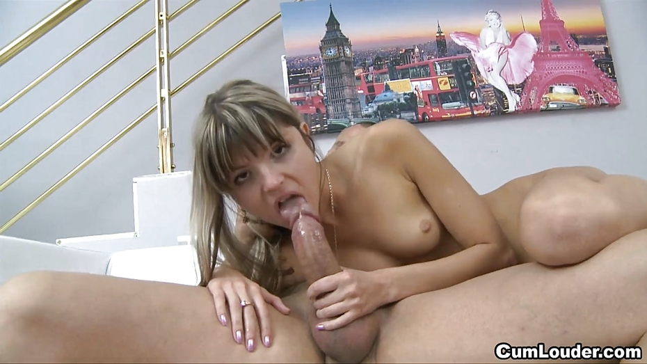 Sensual Lisa Ann Solo