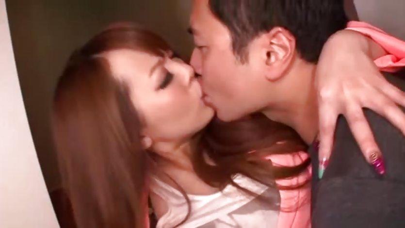 Hitomi tanaka seduces