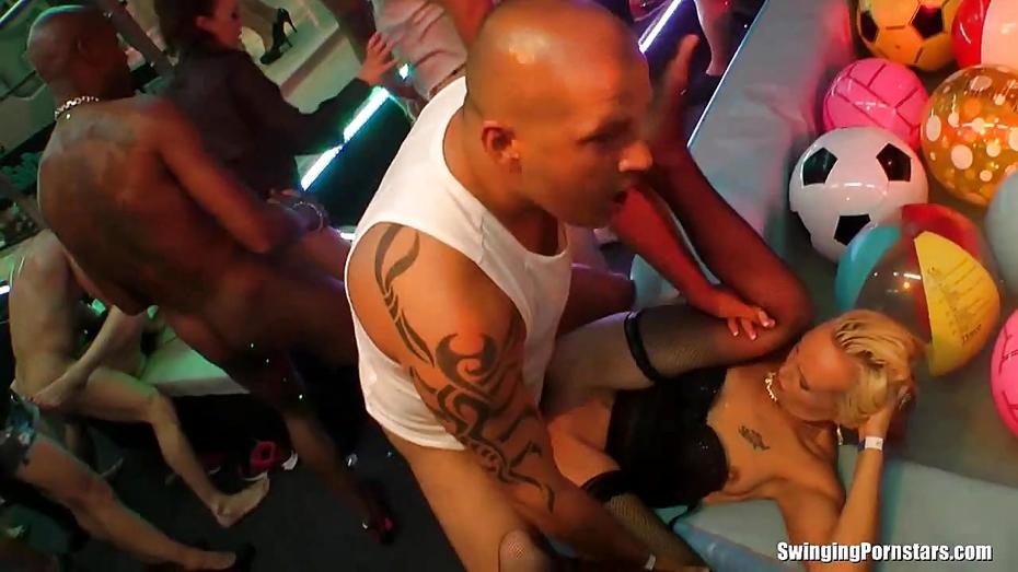 Fuckin in clubs in jamaica