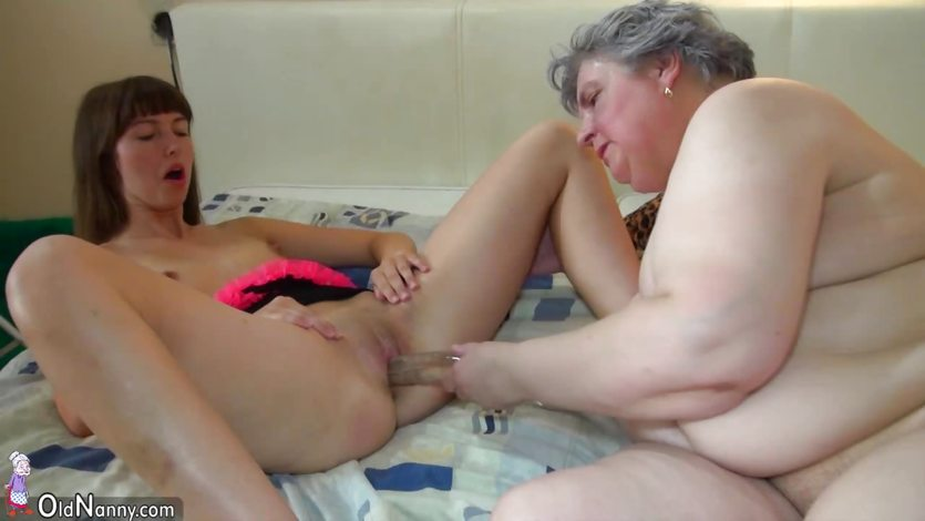 Big boob lesbian kissing