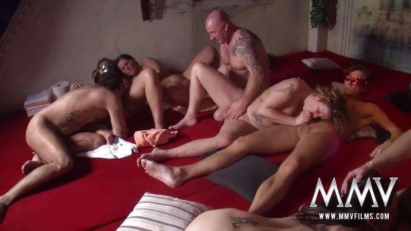 Порно онлайн жену на растерзание