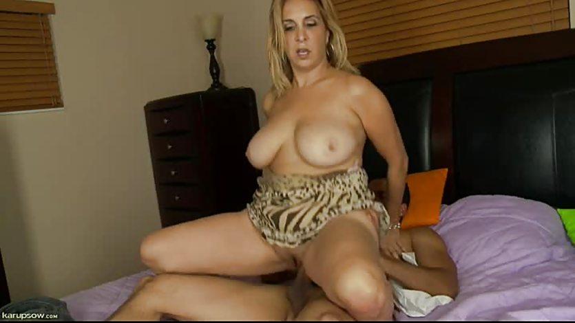 Hot, Sexy Mature Sophia Jewel