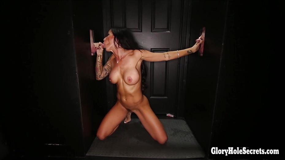 Skinny gloryhole slut