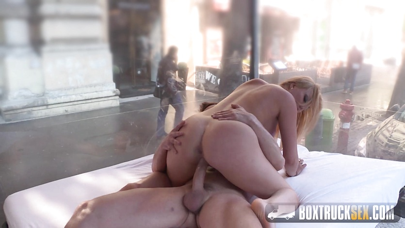 Elektra wilde makes her first public sex adult video 3
