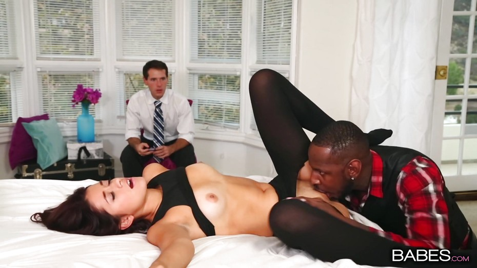 Amara romani and izzy bell share black cock