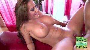 Big round tits videos