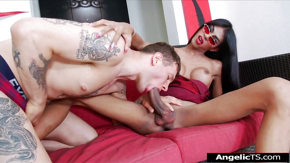 Dude got tranny cock in his ass